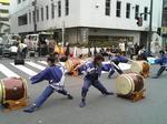 賑わう太鼓の演奏