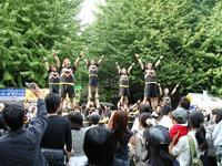 男のチア・早稲田大学SHOCKERSのパフォーマンス