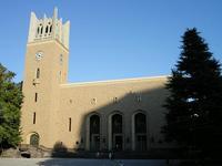 2007年にリニューアルされた早稲田大学の大隈記念講堂(国指定重要文化財)