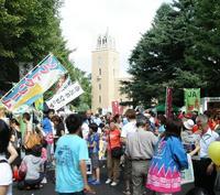 多くの人でにぎわう昨年の早稲田地球感謝祭