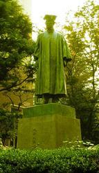 早稲田大学大隈重信像・大隈銅像